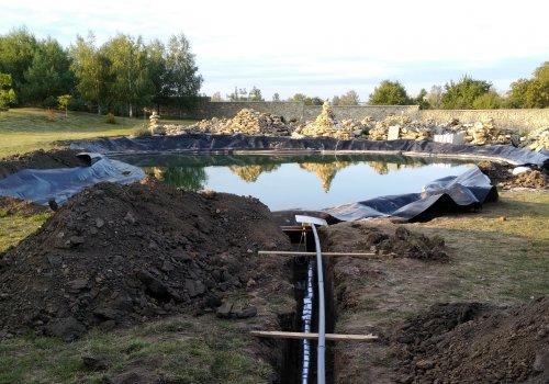 Монтаж системы фильтрации, долива и перелива воды